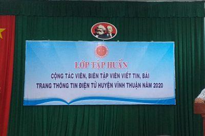 KHAI GIẢNG LỚP TẬP HUẤN VIẾT, TIN BÀI TRANG TIN ĐIỆN TỬ VĨNH THUẬN NĂM 2020